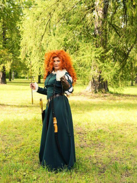 платье из зеленого габардина