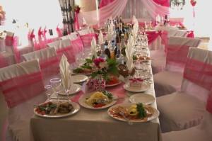 Банты на стулья из розовой сетки