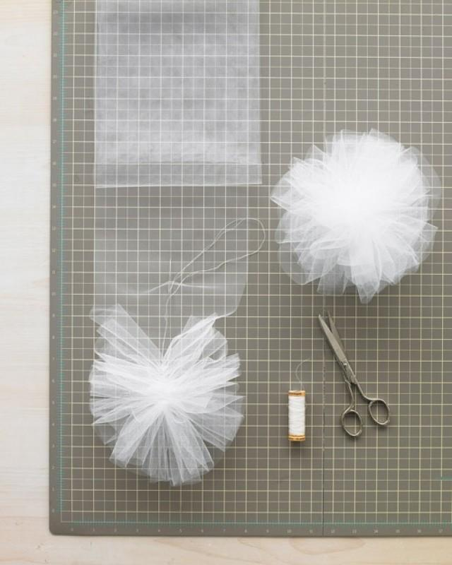 помпоны из ткани фатин