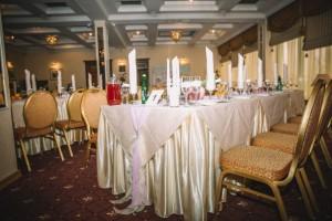 Украшение свадебного зала тканями